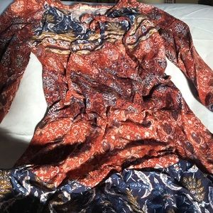 hem & thread size small long sleeved dress